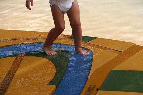 schwimmen lernen Kleinkinder